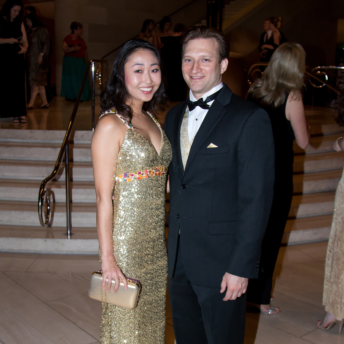 Anna Song, Kevin Sauders