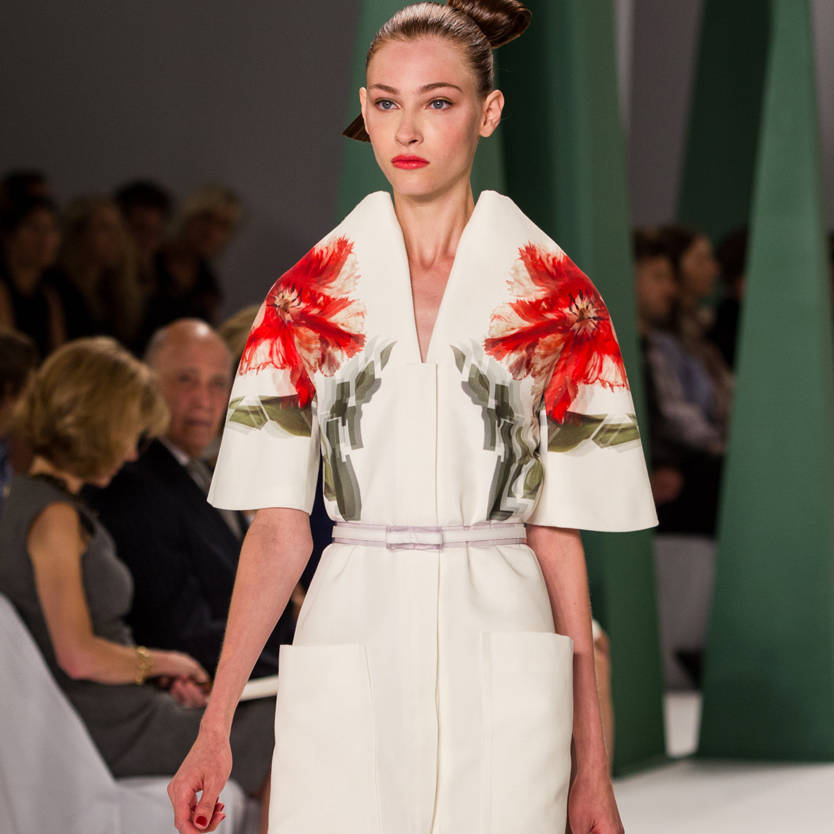 Fashion Week spring 2015 Carolina Herrera floral shoulders