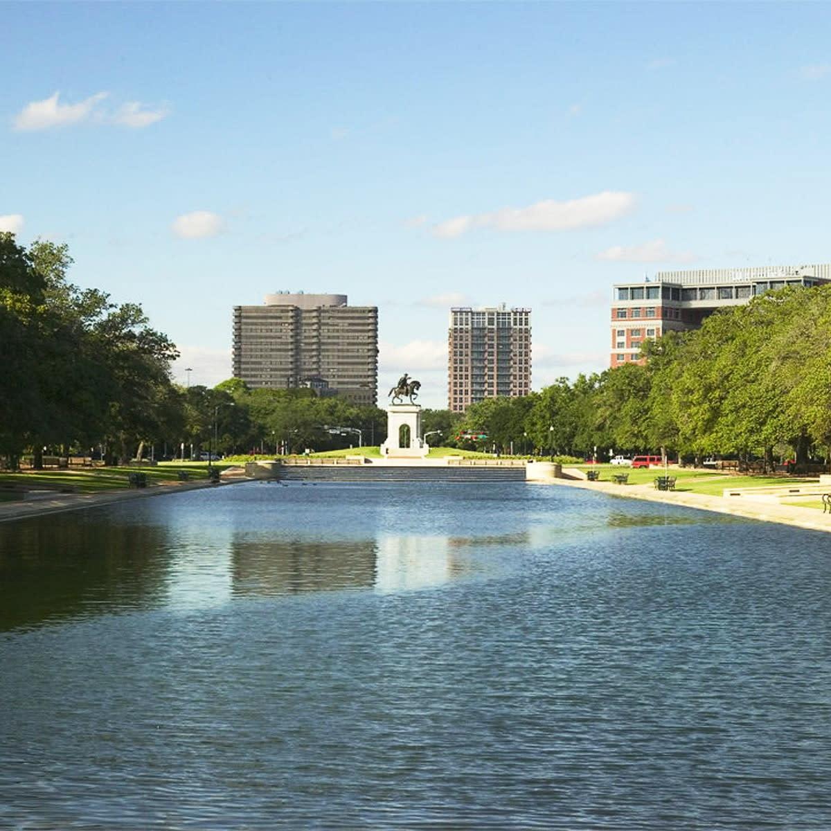Places-Unique-Hermann Park-Jones Reflection Pool