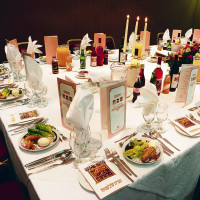 News_Passover_table setting