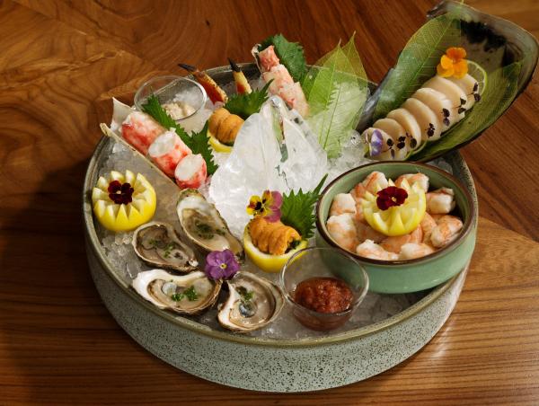 Roka Akor deluxe shellfish platter