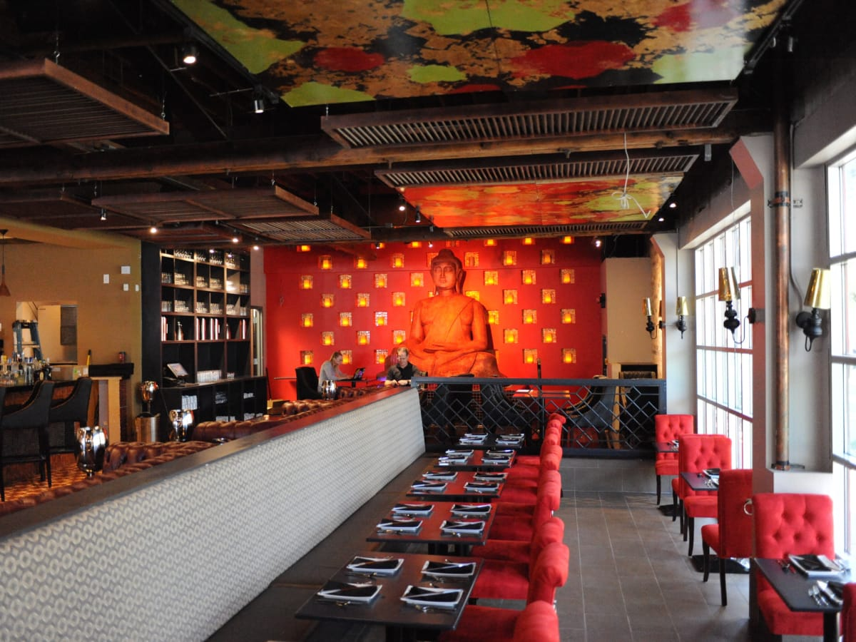 Midtown Asian spot embraces nightclub vibe ditches restaurant