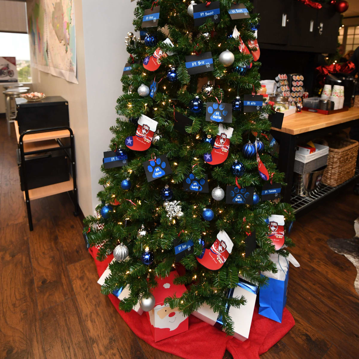 K9s4Cops party, July 2016, christmas tree