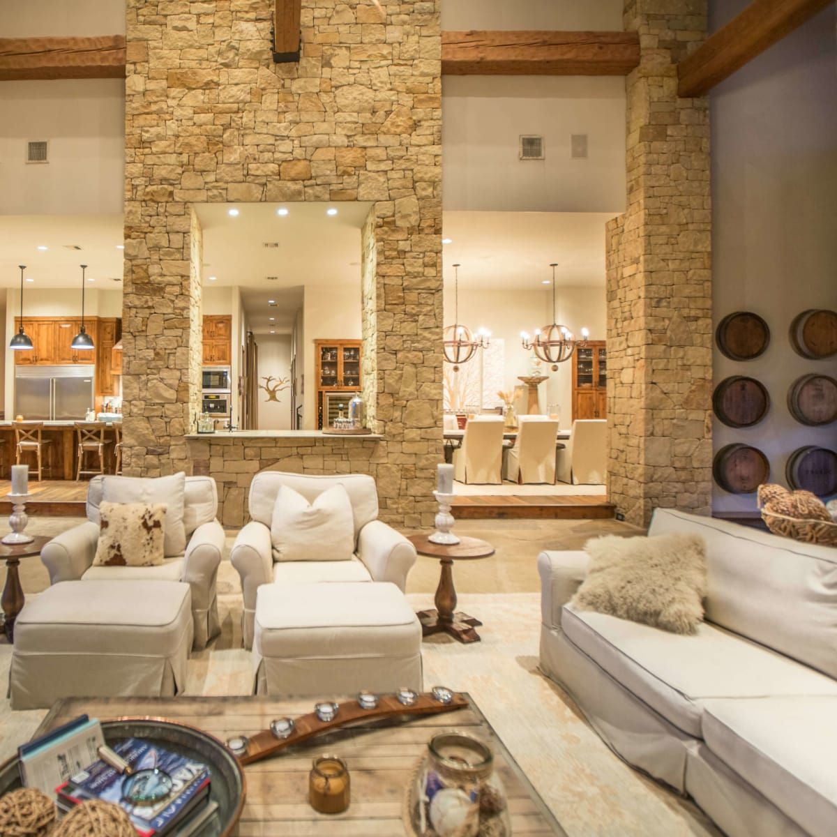1920 Valentino Cove Lake Travis Spicewood house for sale living room