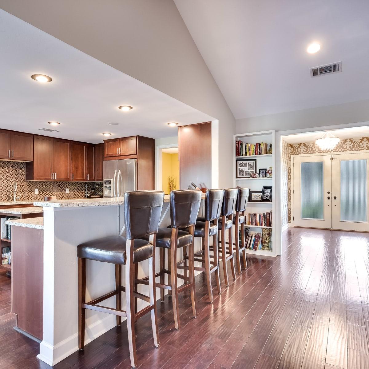 3914 Glengarry Dr Austin house for sale kitchen