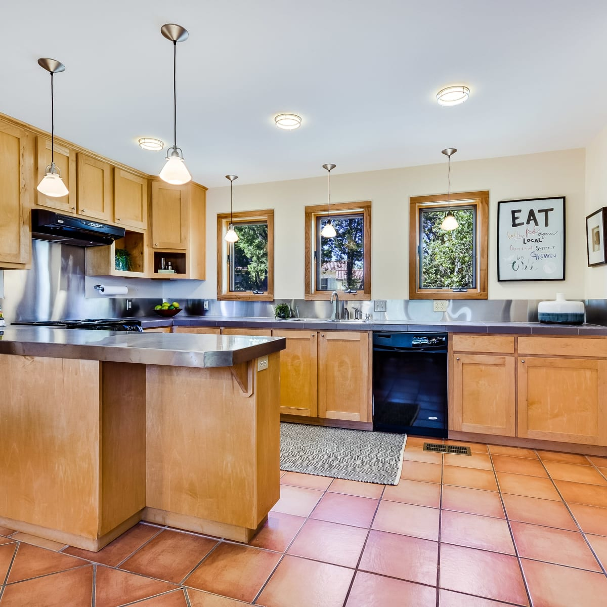 1604 The High Road Austin home for sale kitchen