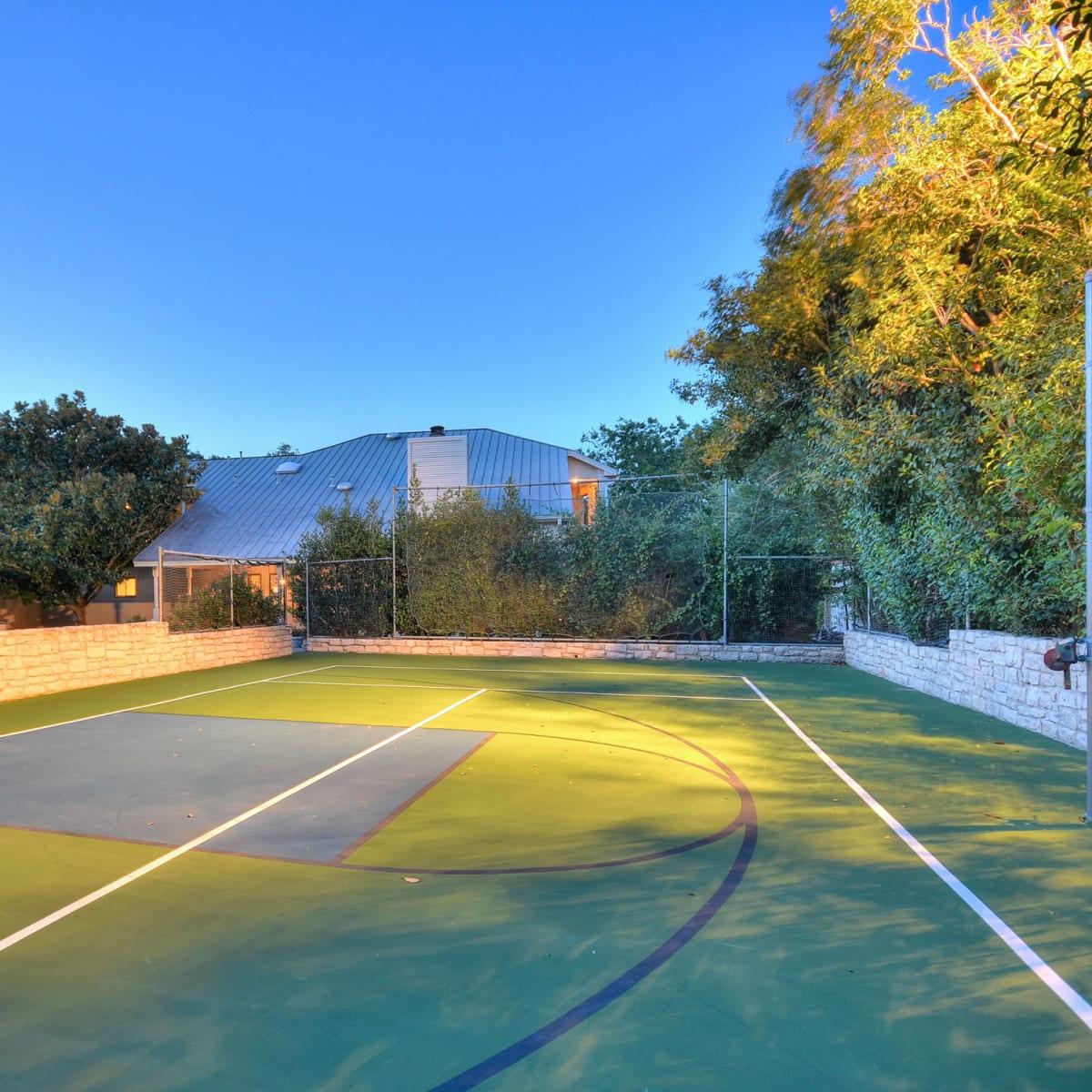 5 Muir Lane Austin house for sale sport court