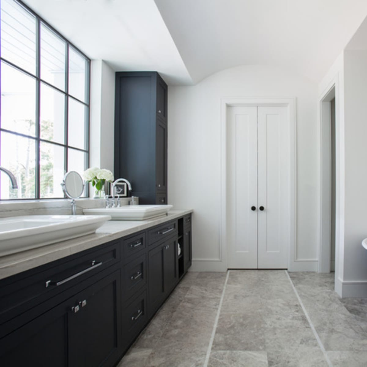 Houzz Houston house home Southern Americana Spanish colonial June 2016 bathroom