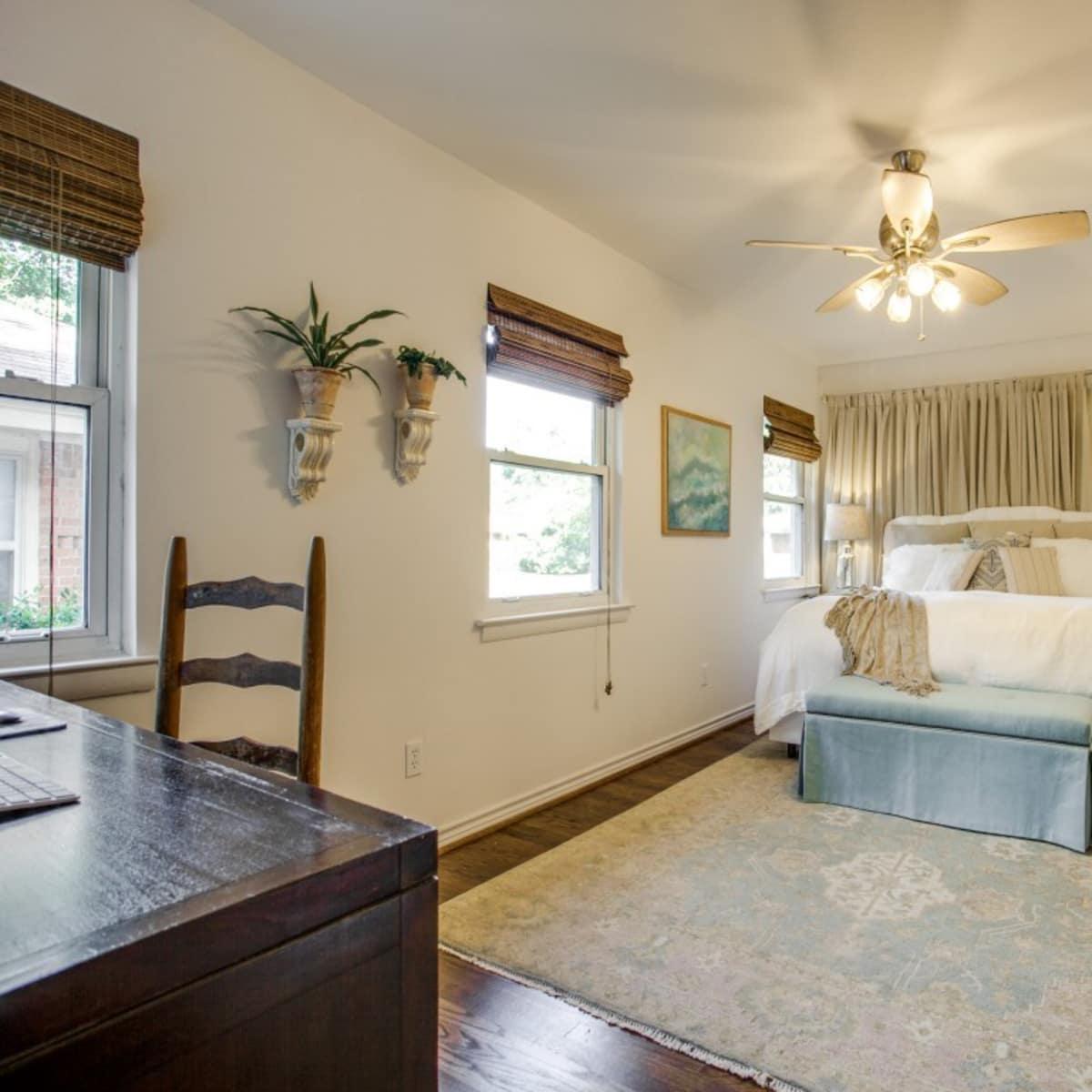 10145 Eastwood Dr. master bedroom