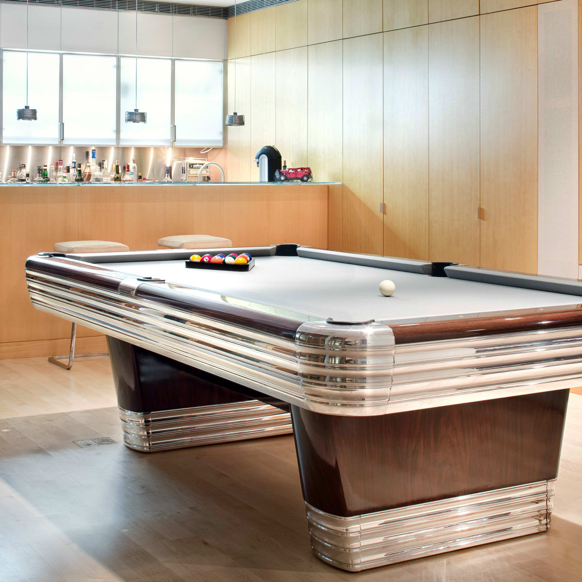 Austin home Floating Box House 900 Live Oak Circle West Lake Hills 78746 April 2016 bar pool table billiards room