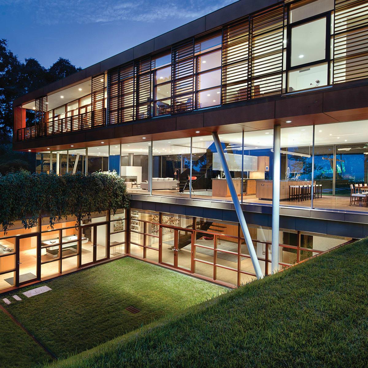 Austin home Floating Box House 900 Live Oak Circle West Lake Hills 78746 April 2016 exterior back side night