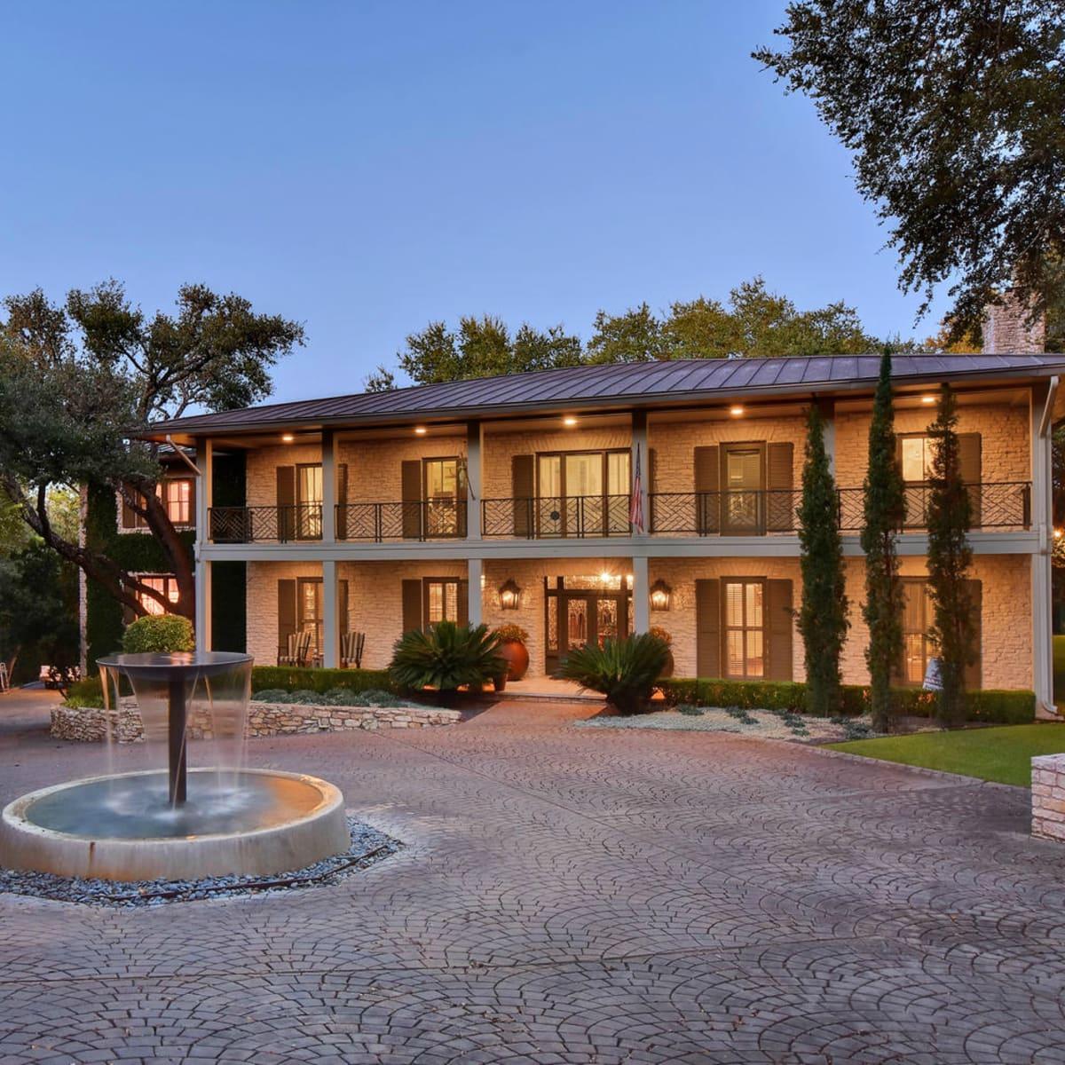 Austin house home Tarrytown 2610 Kenmore Court Ben Crenshaw February 2016 front twilight