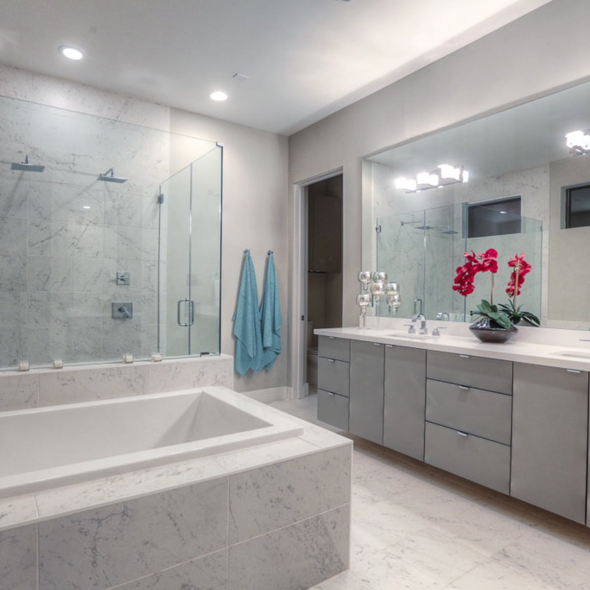 2612 Westgate OTM master bathroom