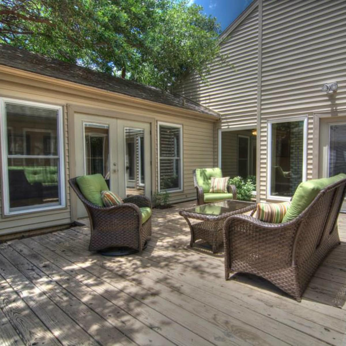 18605 Crownover Ct patio