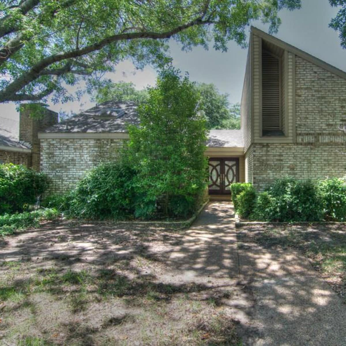 18605 Crownover Ct house for sale in Dallas
