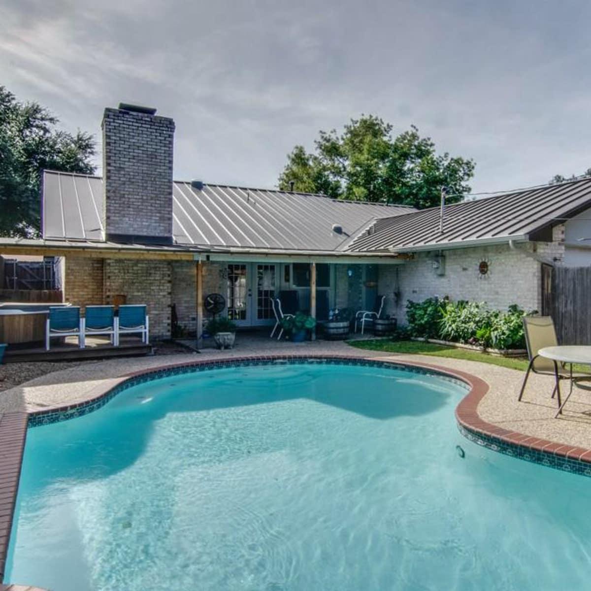 3065 Kinkaid Dr. pool in Dallas