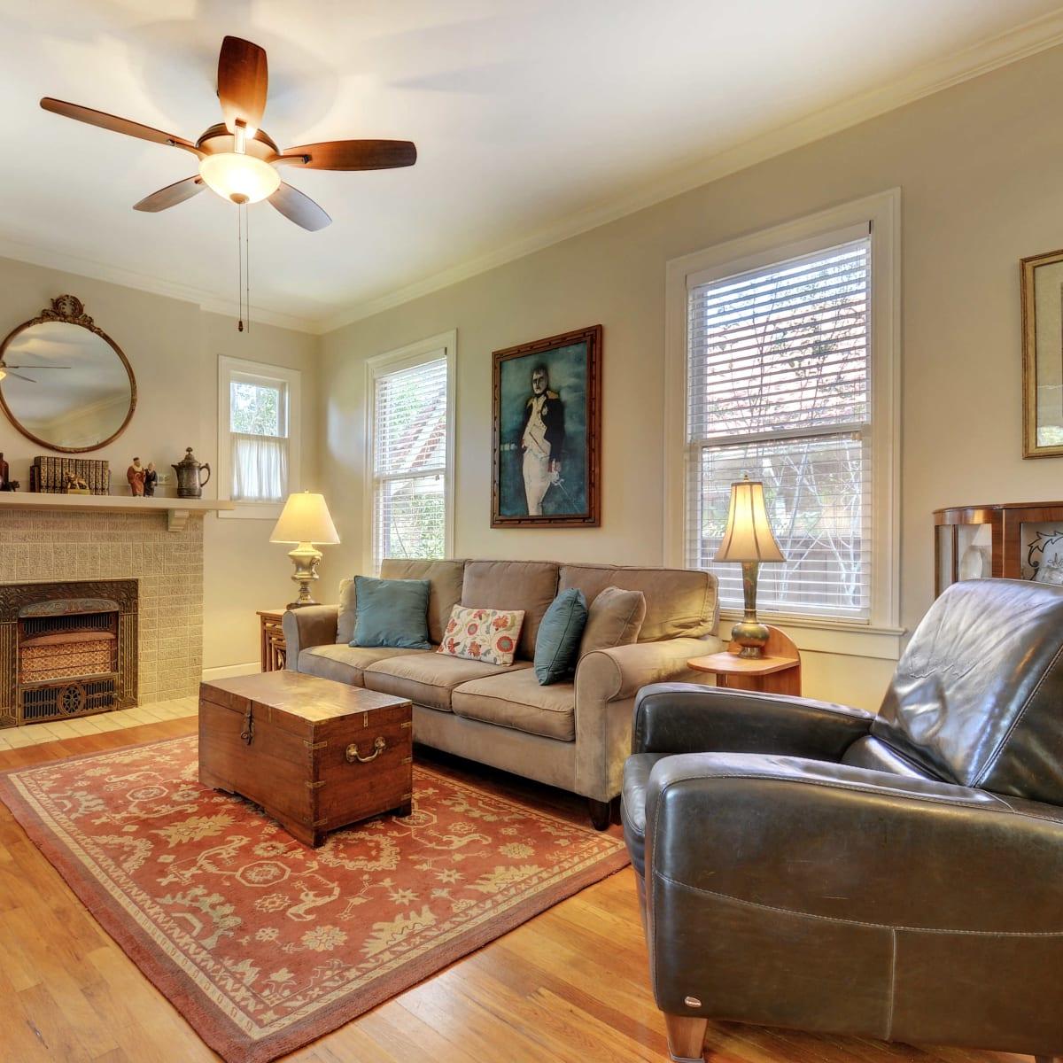 Alta Vista Austin home for sale family room