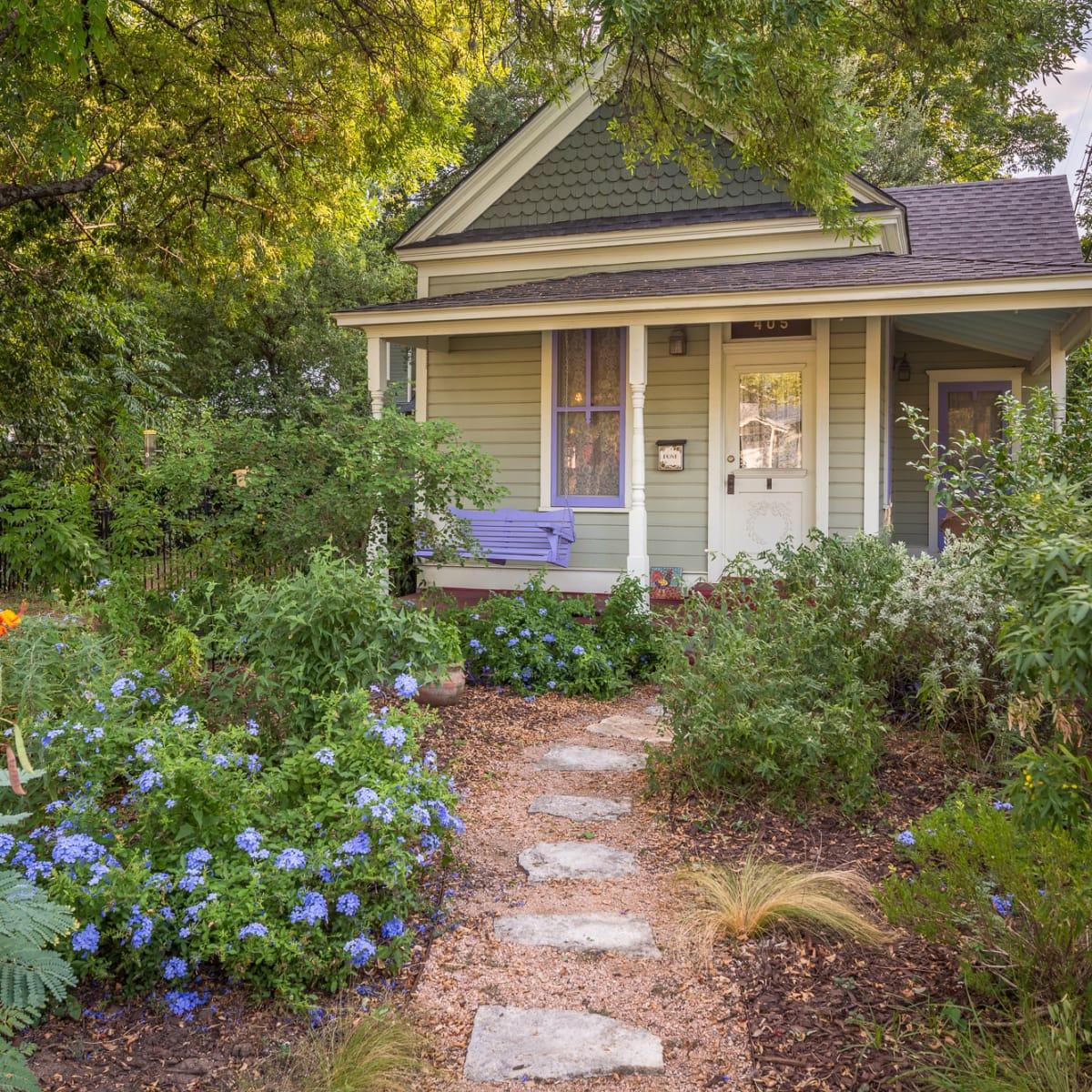 Historic Hyde Park Homes Tour 2015 Avenue A folk victorian cottage house