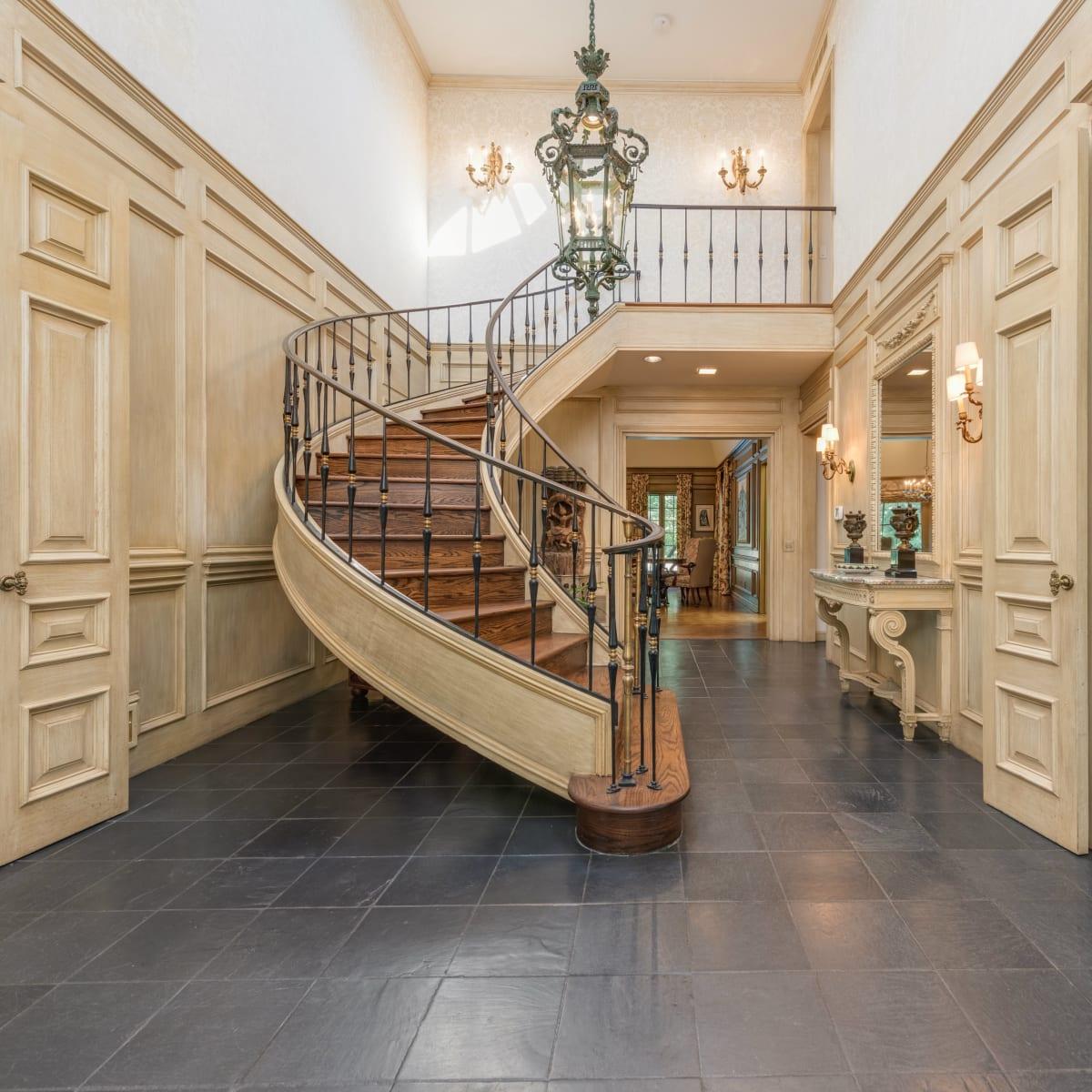 Preston Hollow foyer