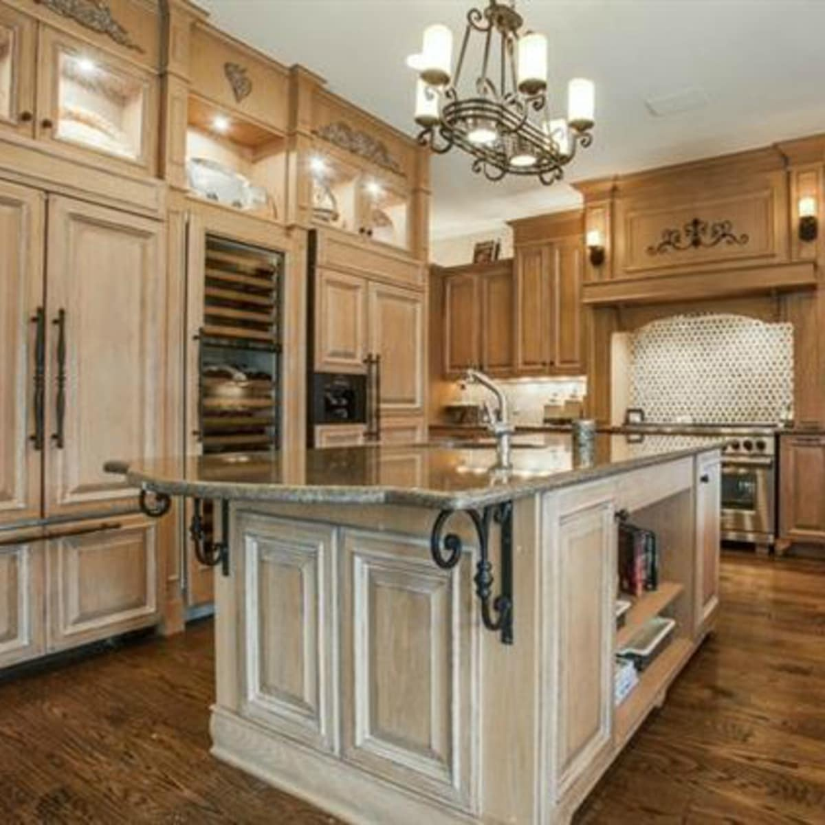 6047 Woodland Dr. house for sale in Dallas