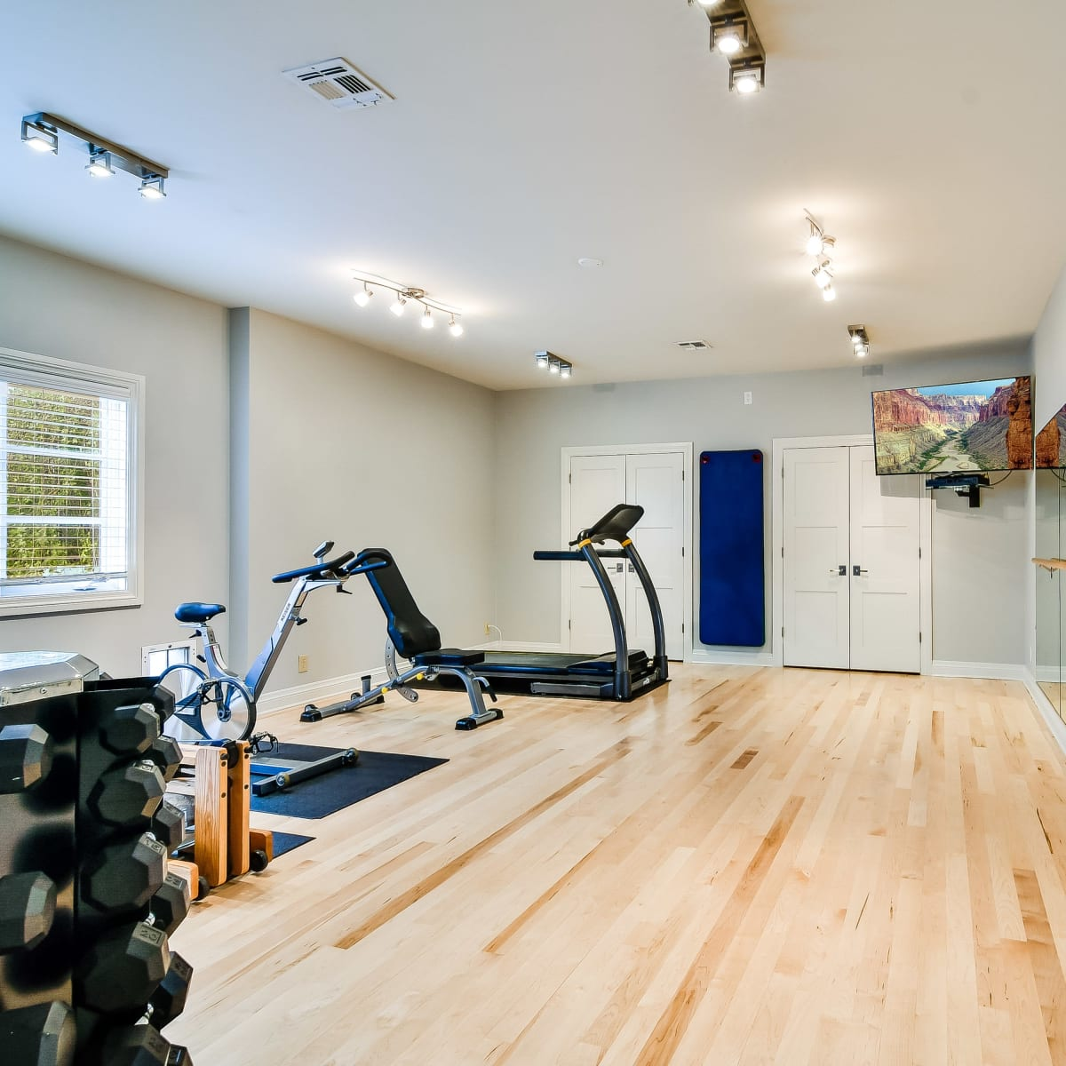 723 Elizabeth San Antonio house for sale gym