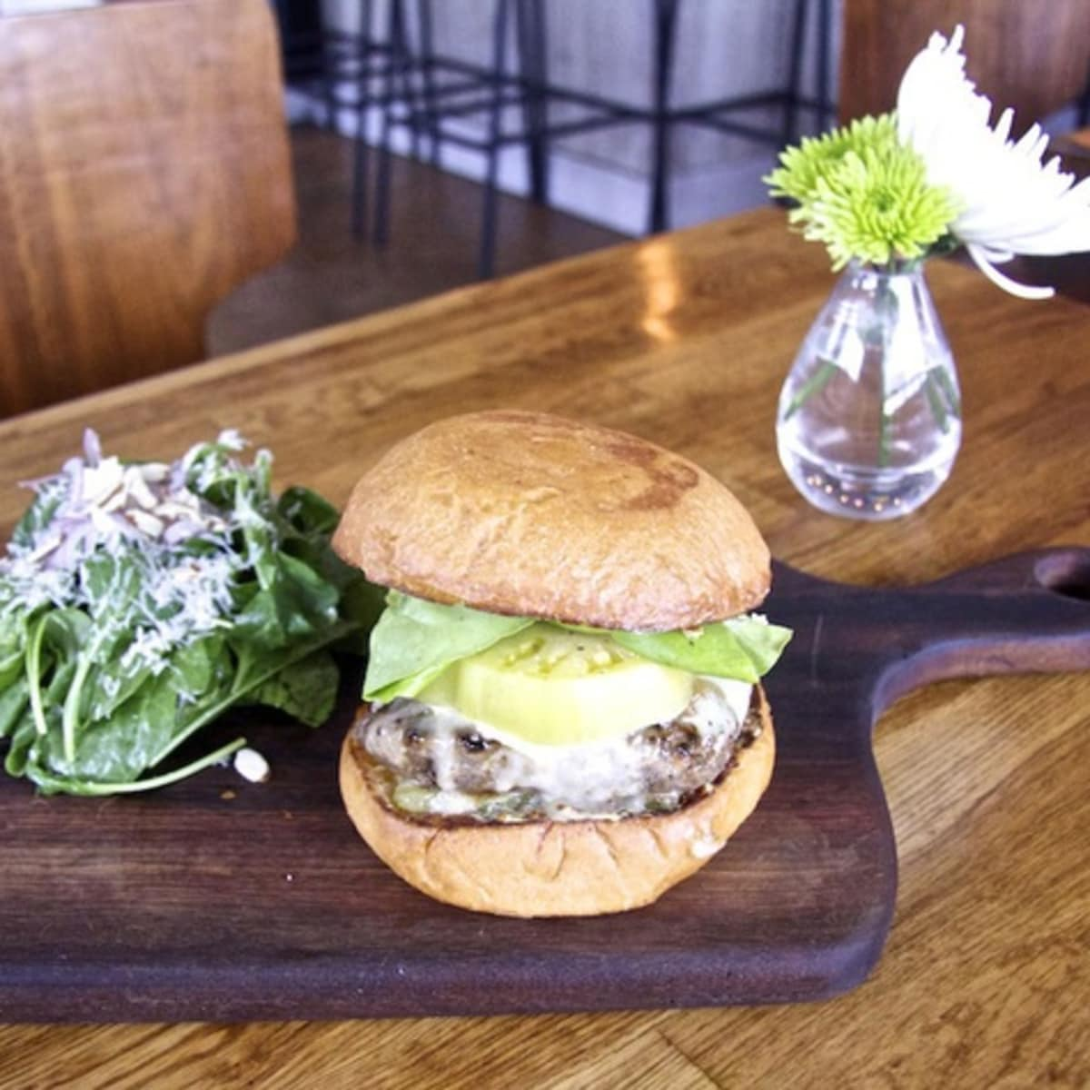 Henri's Burger Austin