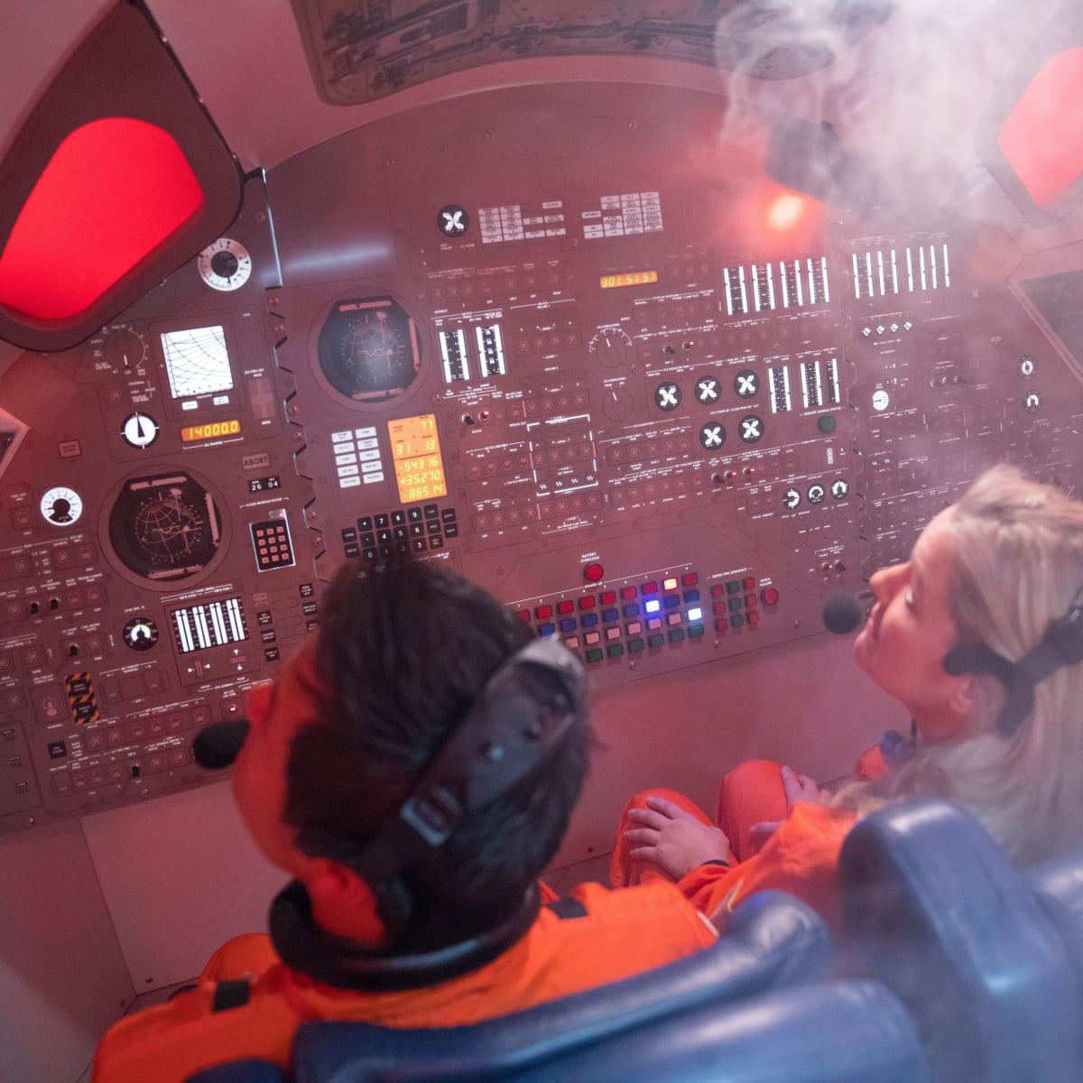 Houston, Escape Hunt Apollo 13 astronauts smoke, July 2017