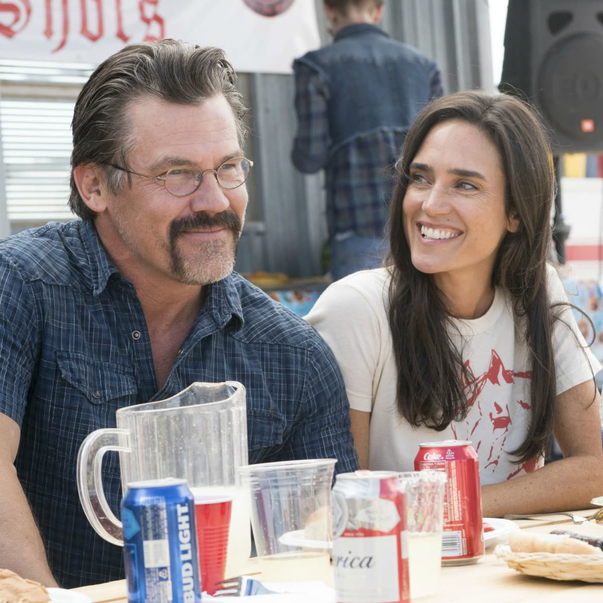 Josh Brolin and Jennifer Connelly in Only the Brave
