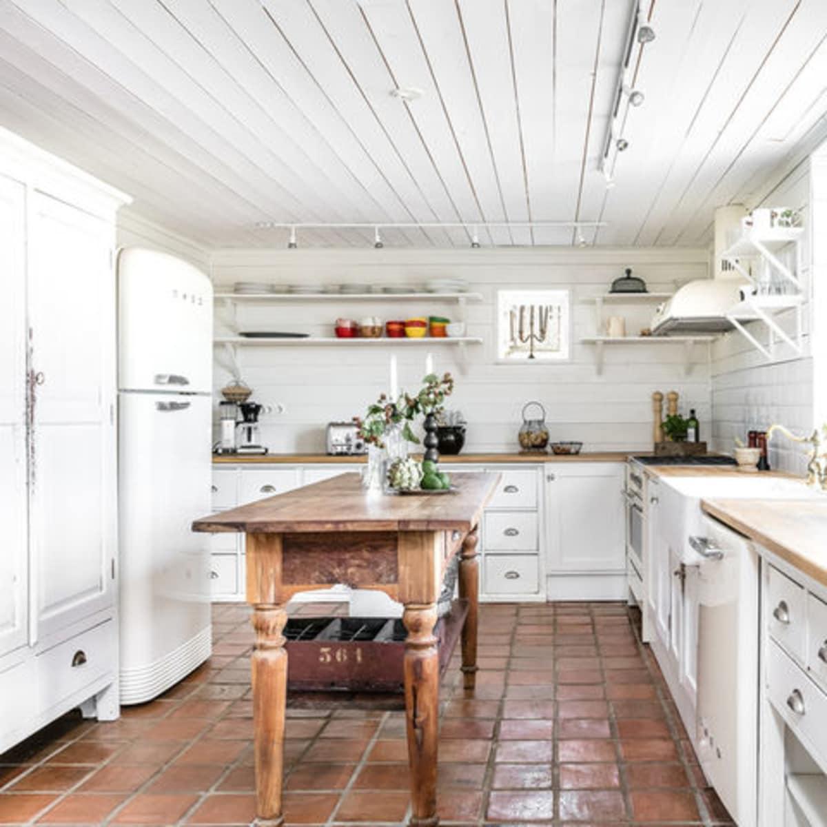 Houzz farmhouse kitchen butcher block island white cabinets
