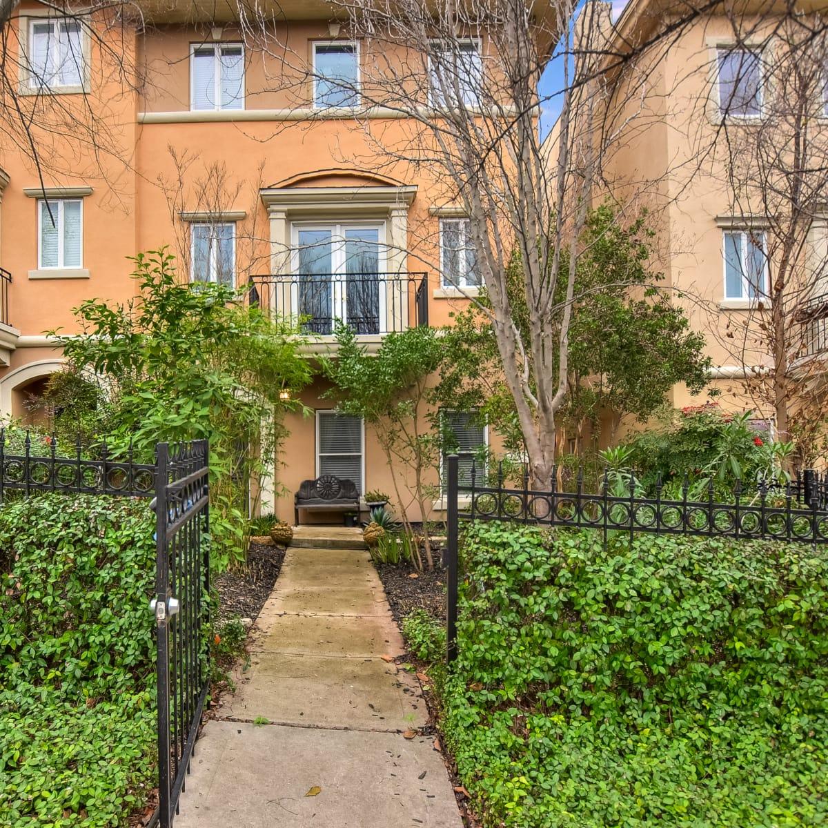 San Antonio house_225 East Mulberry Av.