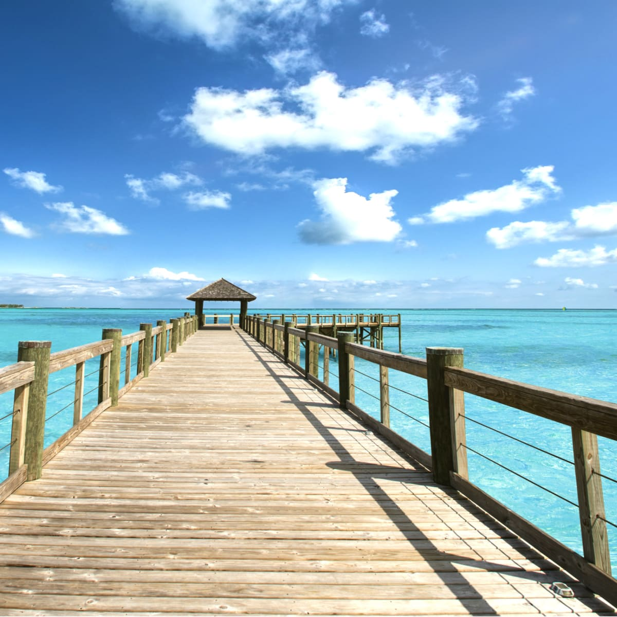 Bahamas long pier shot