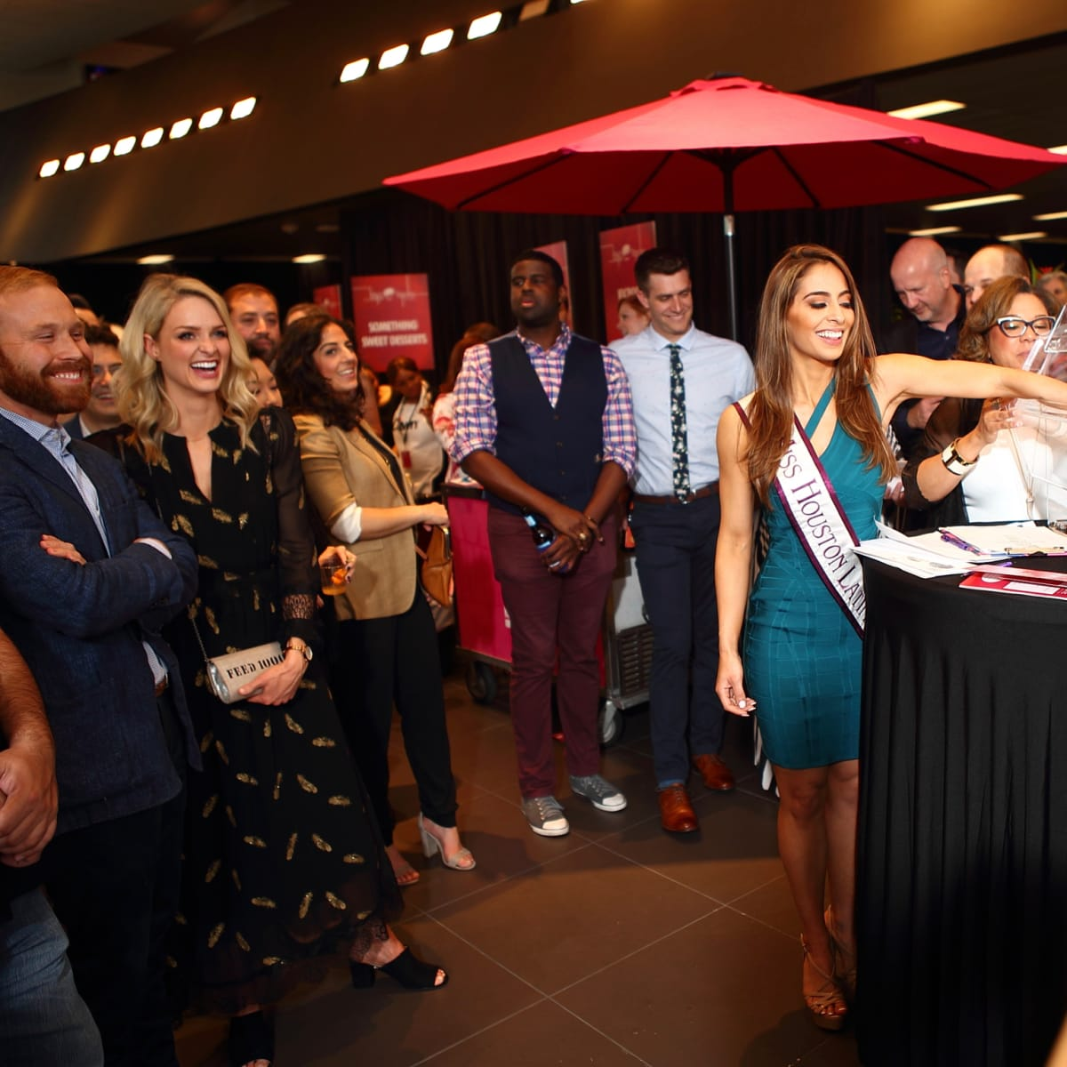 Big Brothers Big Sisters Big Taste 2018 raffle drawing Brianda Carrasco
