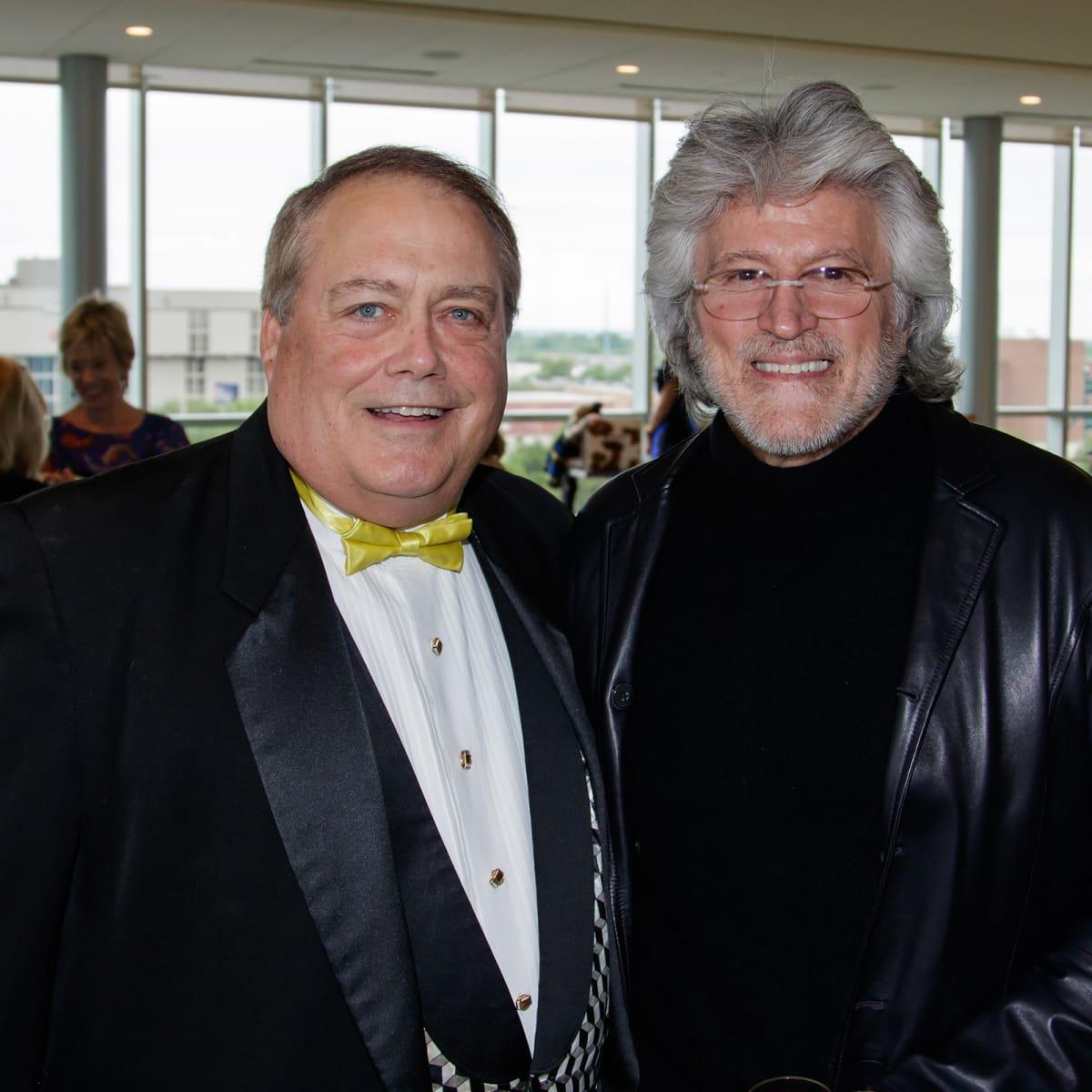 Jimmy Wynne, Robert Comstock