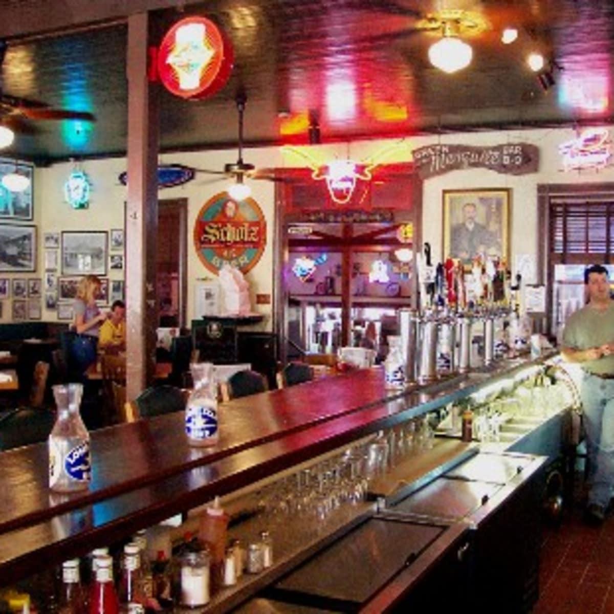 Austin Photo: places_food_scholz garten_interior