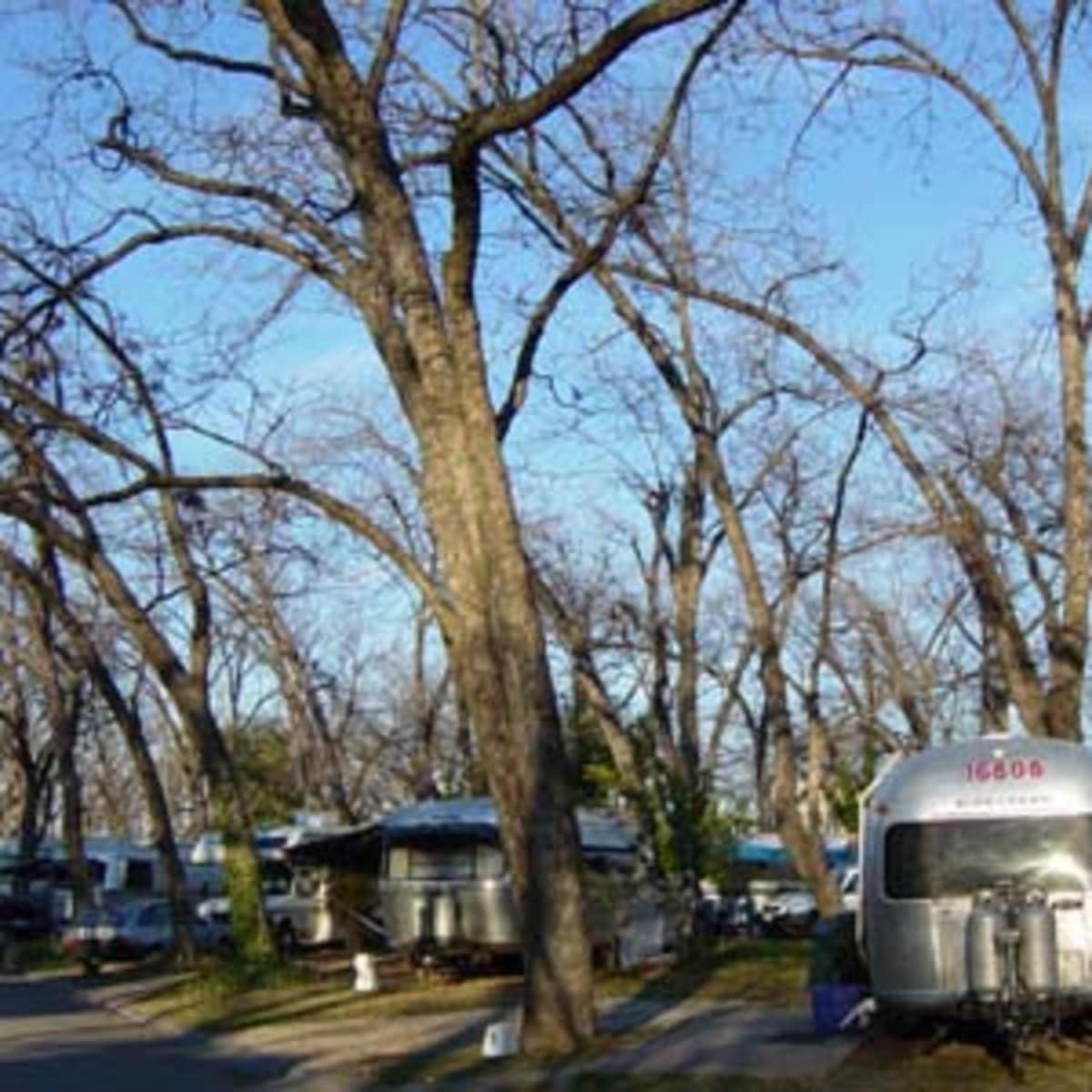Austin_photo: places_outdoors_pecan grove rv park_trailers