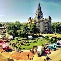 Denton Main Street Association presents Arts & Autos Extravaganza