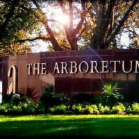 Austin Photo: places_shopping_arboretum_exterior