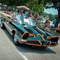 News_002_Art Car Parade