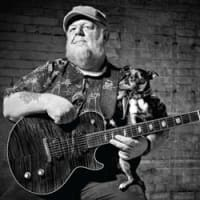 Austin_photo: places_shopping_blue dog rescue_guitar dog