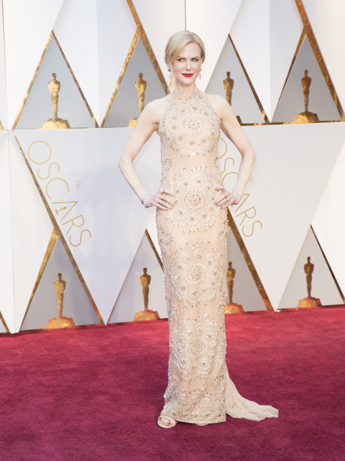 Nicole Kidman at Oscars 2017 in Armani Prive