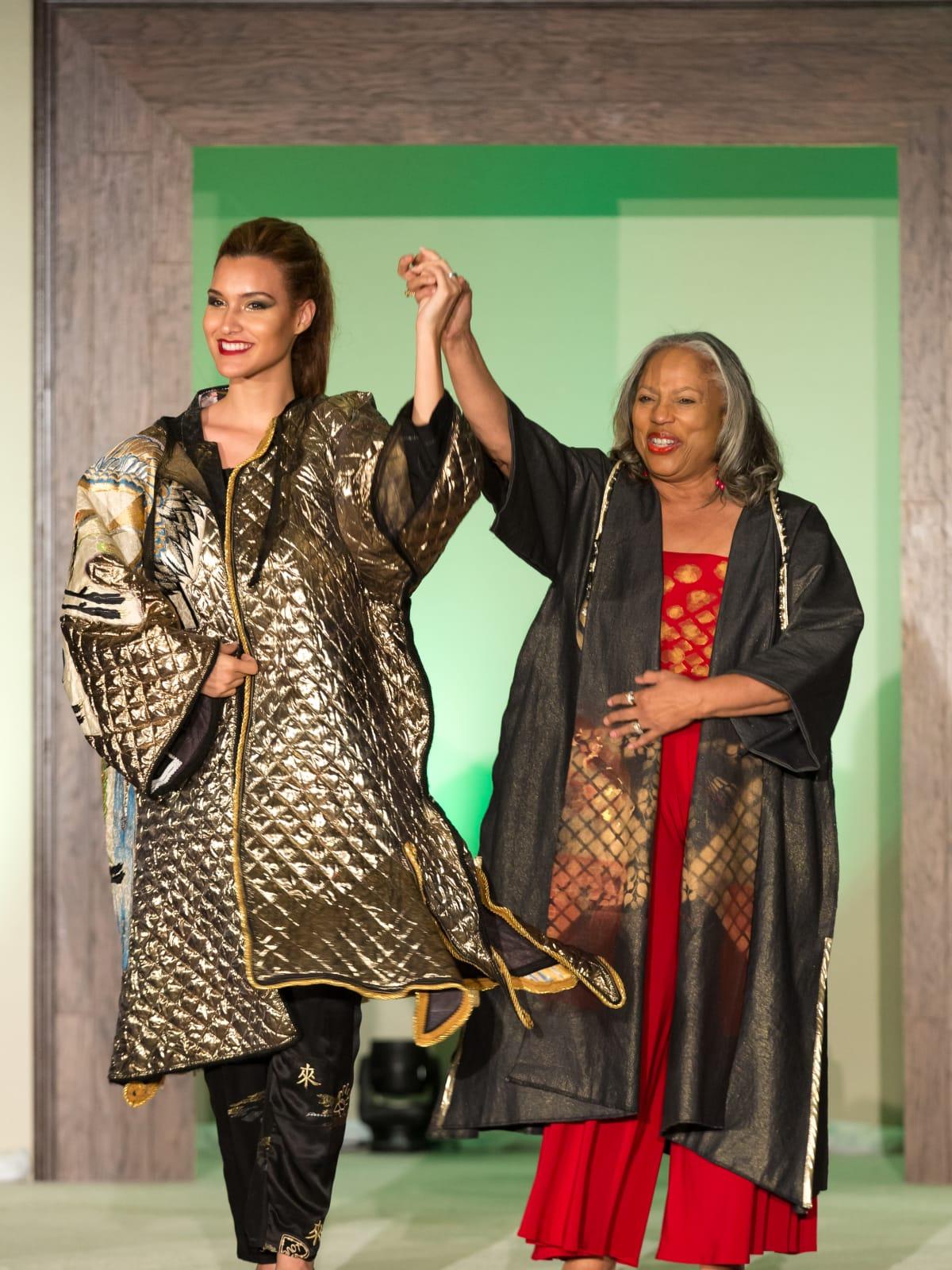 For the Sake of Art, Carol Watson, kimono