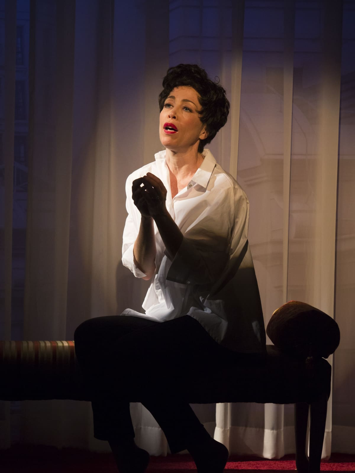 Carolyn Johnson as Judy Garland in Stages End of the Rainbow