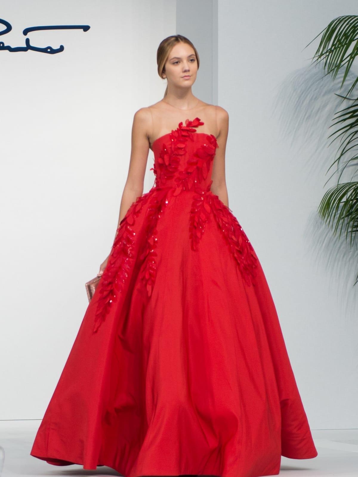 Oscar de la Renta 2018 resort collection red gown