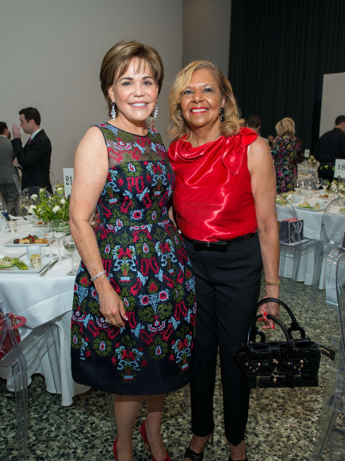 Hallie Vanderhider, Yvonne Cormier at Oscar de la Renta fashion show at MFAH