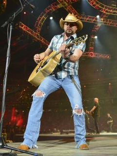 Jason Aldean at Houston rodeo concert March 2014