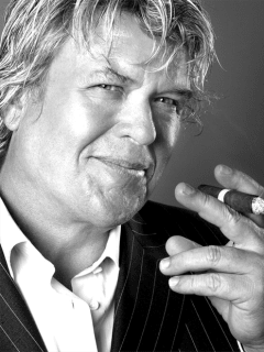 Comedian Ron White with a cigar