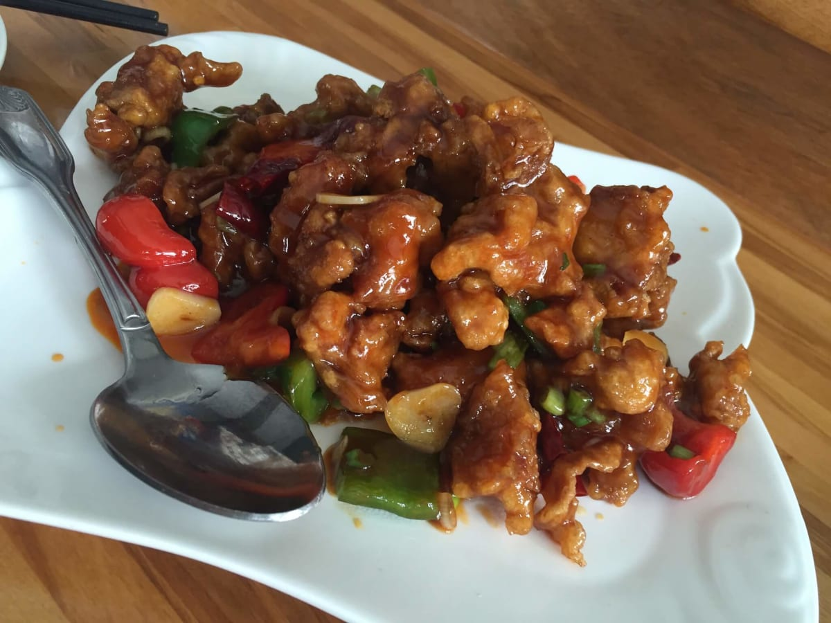 Cooking Girl General Tso's chicken