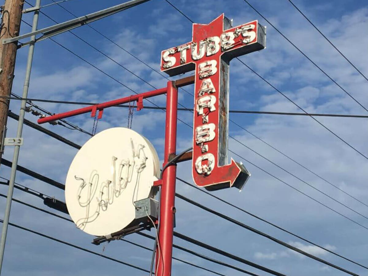 Stubb's Bar-B-Q barbecue bbq sign Crestview Lala's Little Nugget