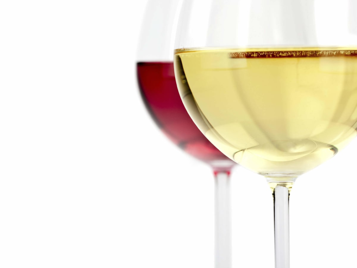 Glass of white and red wine