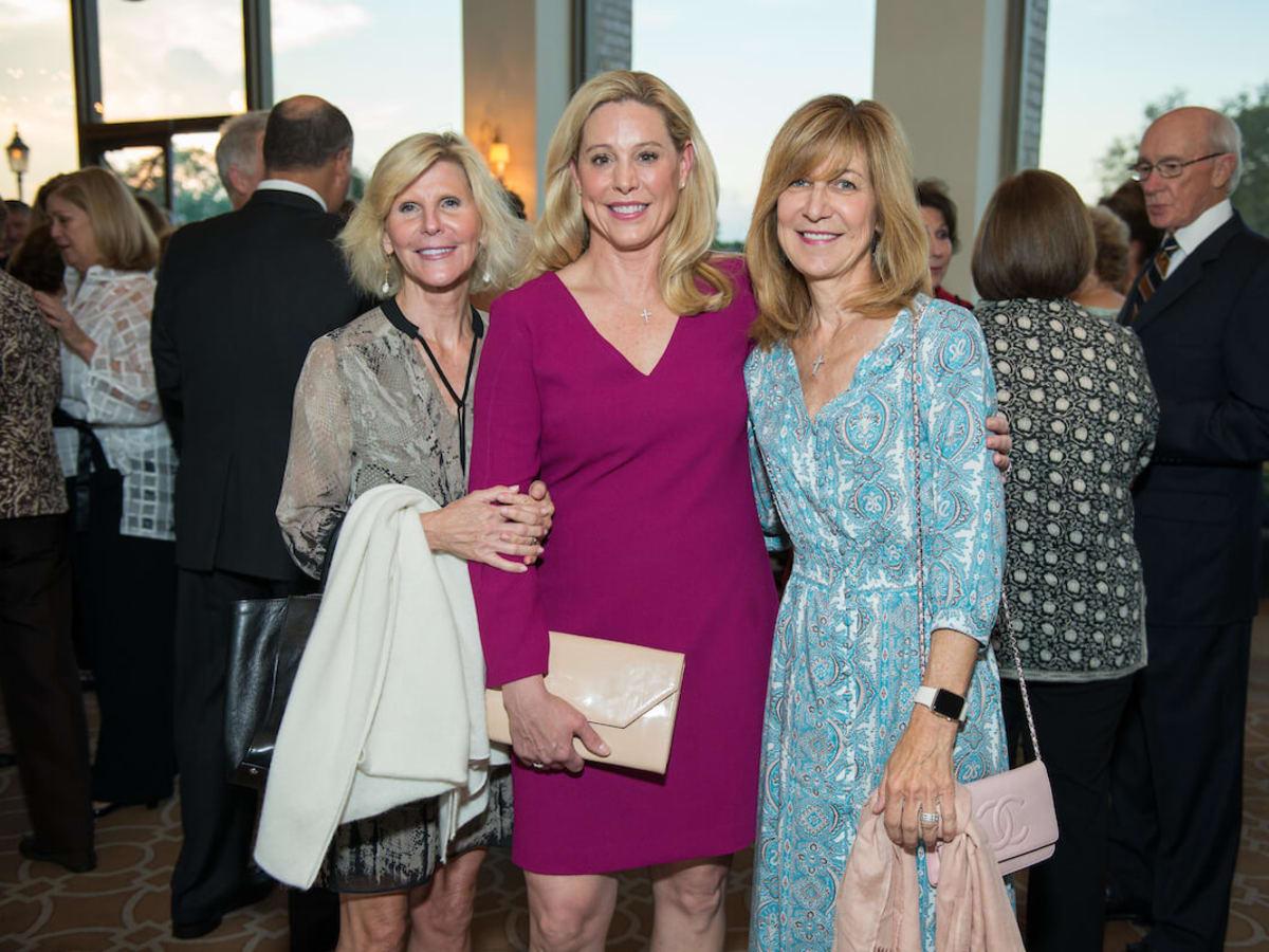 Amazing Place dinner, Tami Hanks, Amy Burns, Vivian Colvill